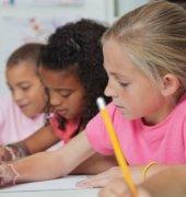 Як допомагати першокласнику?