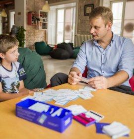 Гра в англійську: як весело та ефективно дитині вивчити іноземну мову