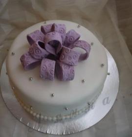Тортик з бантиком