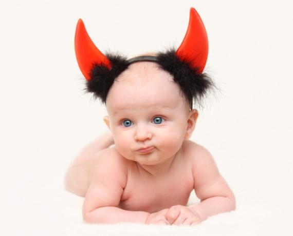 Чи може немовля маніпулювати батьками?
